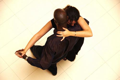 casal a dançar kisomba