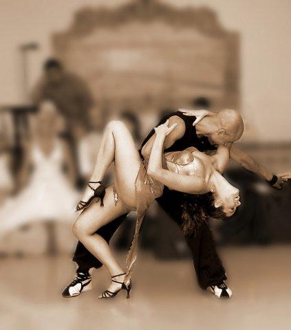 Par danças salão cha-cha-cha
